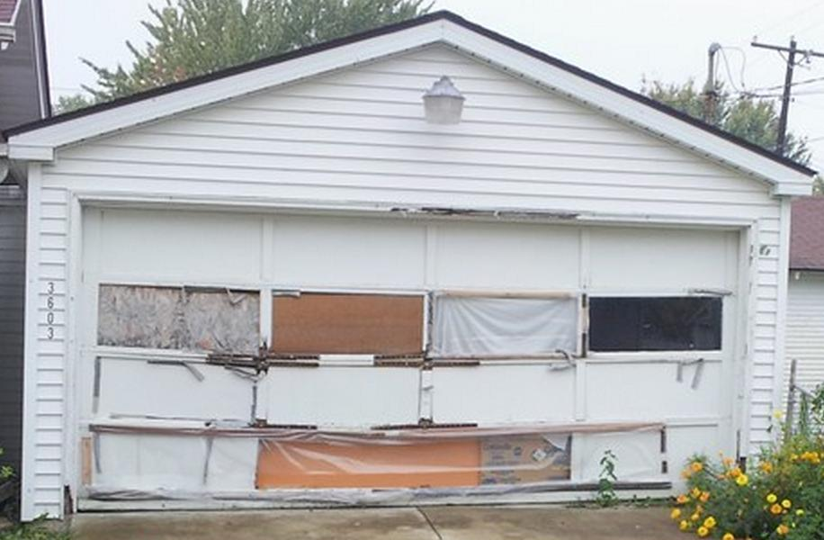 Attirant Wood Garage Door Falling Apart