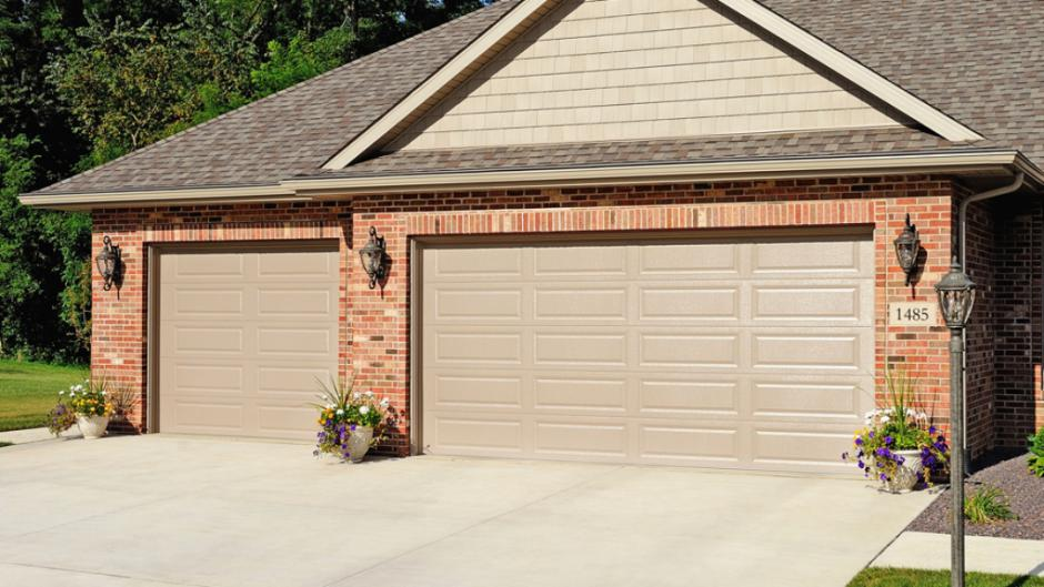 Garage Doors House 3
